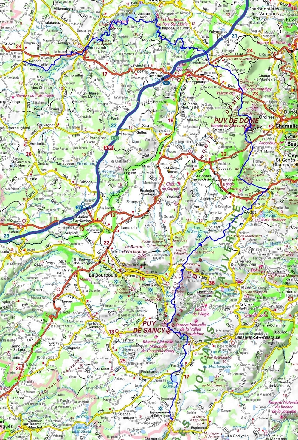 GR4 Hiking from Condat-en-Combraille to Egliseneuve-d'Entraigues (Puy-de-Dome) 1